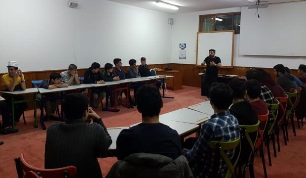 Sosyal Medya Kuran kurslarında ders olarak veriliyor