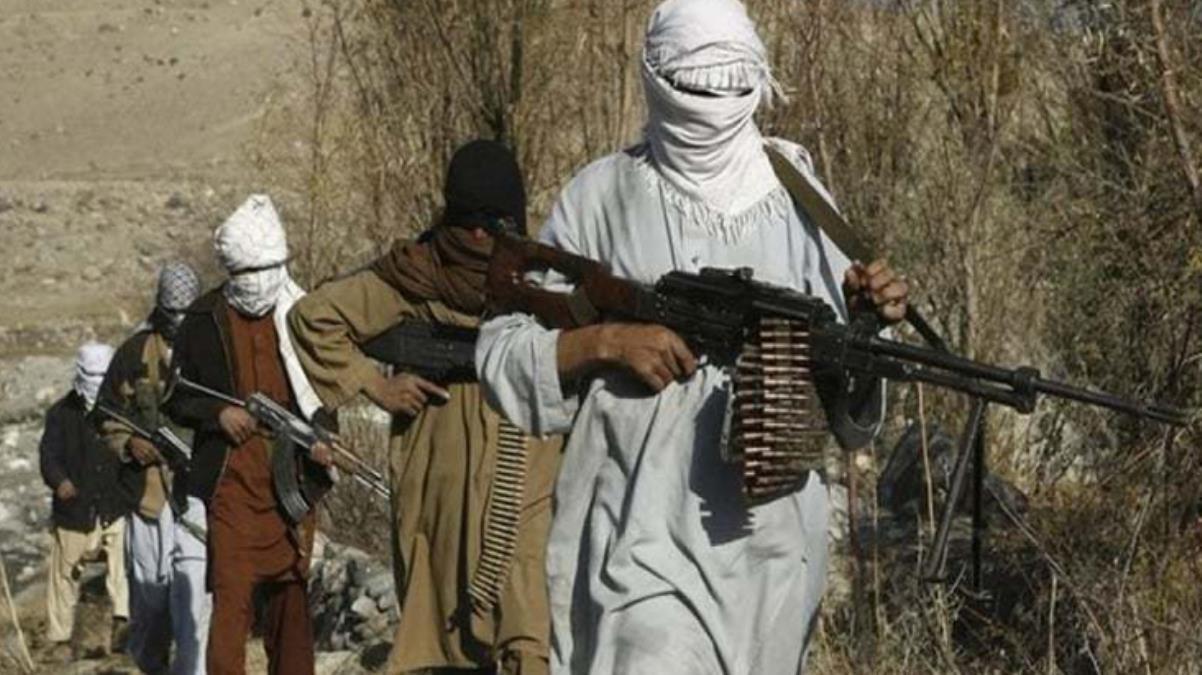 Taliban, Afganistan'daki ilerleyişini sürdürüyor! Başkent Kabil'e 150 km uzaklıktaki Gazni şehrini de ele geçirdiler