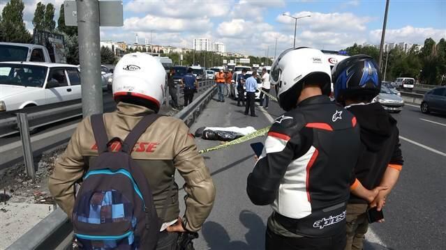 TEM'de feci kaza! 'Yolun ortasına uçtu'