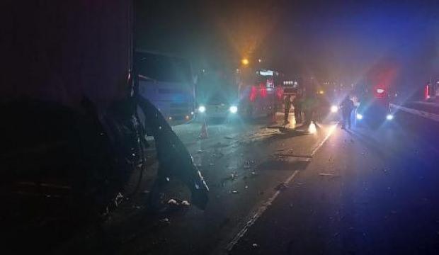 TIR ve minibüsün feci kazası! Ölü ve yaralı var