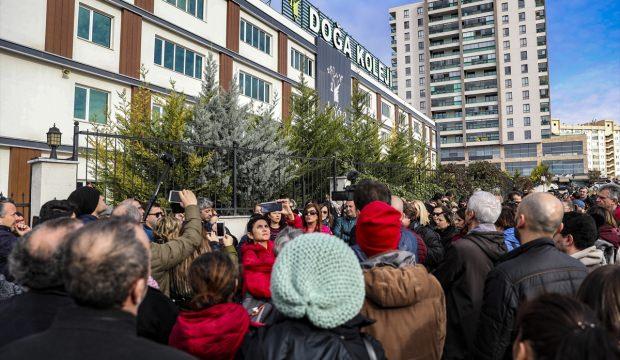 Velilerden Doğa Koleji önünde protesto
