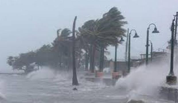 Yolcular dikkat! Fırtına seferleri iptal etti