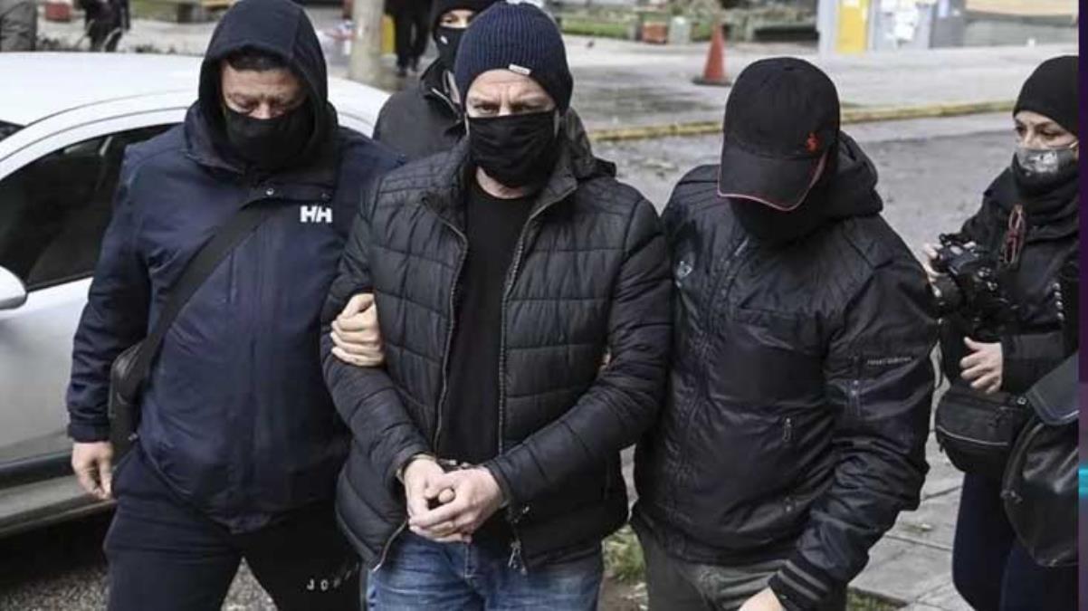 Yunan tiyatro sanatçısı Dimitris Lignadis, çocuklara cinsel saldırı suçlamasıyla tutuklandı